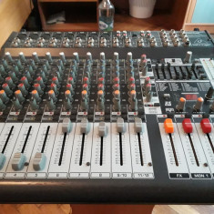 Mixer audio Behringer Europower PMP 4000 -12 canale