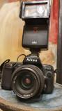 Nikon F801 cu obiectiv  Nikkor 35-70mm si blitz Braun 2000 / 320