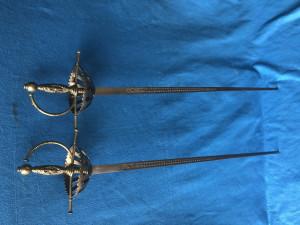 Sabie,pereche de sabii vechi franceze,de cavalerie cu garda,pentru panoplie
