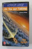 UN FEU SUR L 'ABIME par VERNOR VINGE , SF, 1994