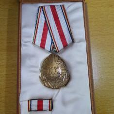 Medalie A XX-a aniv. a eliberarii Patriei, cu bareta, in cutie