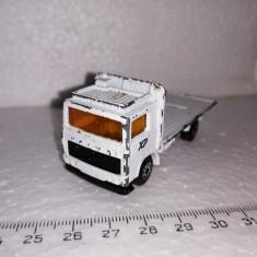 bnk jc Matchbox Volvo Truck - 1/90