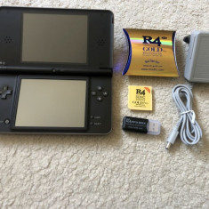 Nintendo DSI XL MODAT R4 cu jocuri pe el Pokemon BLACK , Mario , Zelda , Rayman, Nintendo DS XL