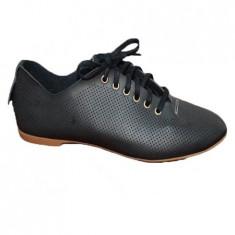 Adidas cu siret din piele naturala model tip plasa, de culoare neagra