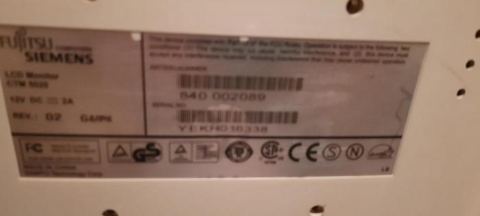 monitor fujitsu siemens cu boxe incorporate CTM5020