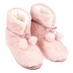 Papuci de dama, imblaniti, model cizme cu ciucuri, marime 37-38, roz