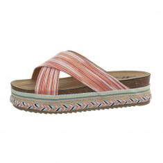 Papuci moderni, de culoare rosie, cu platforma foto