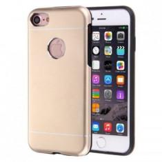 Husa Apple iPhone 7 Plus Motomo V2 Auriu