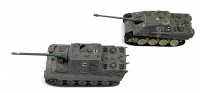 Lot 2 tancuri plastic posibil 1: 64 Modellistica Italia foto