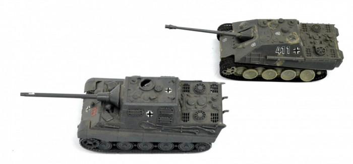 Lot 2 tancuri plastic posibil 1: 64 Modellistica Italia