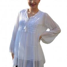 Bluza vaporoasa Alia cu insertii de broderie si paiete la decolteu,nuanta de alb