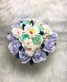Aranjament trandafiri de sapun albastri si flori de cires, 19 fire