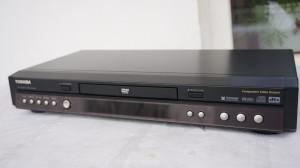 DVD player Toshiba SD-220