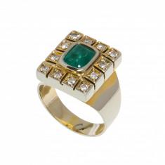 Inel sevaliera din aur 18K cu smarald si 12 diamante, circ. 48 mm