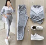 Trening dama lung gri cu alb cu pantaloni lungi si bluza cu maneca lunga fashion