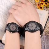 Cumpara ieftin Set ceasuri din lemn negru Bobo Bird pentru cupluri