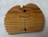 Puzzle suedez din lemn de pin 2 piese reprezentand doi arici