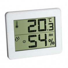Pachet economic 3 x Termometru si Higrometru digital de camera extra-plat alb TFA 30.5027.02