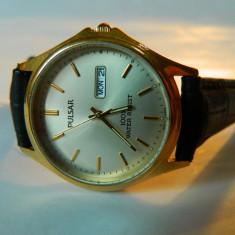 Ceas barbatesc PULSAR (by seiko), cu data ,placat cu aur