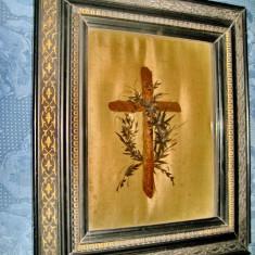 A852-I-Relicvariu antic 1885-Cruce si rama lemn adnotat in franceza.