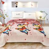 Cumpara ieftin Patura de pat cocolino 230×200, RozFleece, fluturi mari colorati
