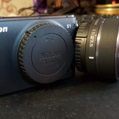 Mirrorless, Nikon 1 S1, 10.1MP, Black + Obiectiv 11-27.5mm + geanta