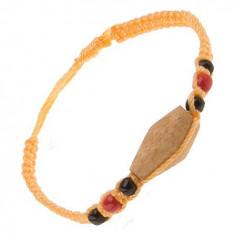 Brățară din șnur de culoare galbenă, cilindru de lemn, mărgele colorate