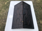 Scut vechi african,sculptat in lemn