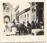 Cafenea turceasca la Ada Kaleh 1936