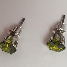 Cercei inox cu doua pietre verde deschis, noi