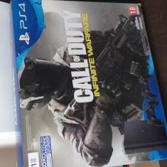 Consola PS4 cu doua comenzi
