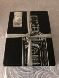 Pachet Whisky in cutie metalica cu doua pahare 0.7L Jack Daniel's