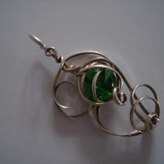 Pandantiv cu piatra verde