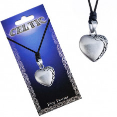 Colier din șnur negru, pandantiv metalic în formă de inimă