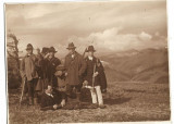 B2296 Vanatori cu pusti si trofeu cocos de munte Grozavesti Bacau 1932