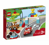 Cumpara ieftin LEGO DUPLO - Ziua cursei lui Fulger McQueen 10924