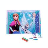 Cumpara ieftin Puzzle 160 de piese Frozen + bonus: 3 foi de colorat + 4 creioane colorate