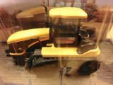 Macheta Tractor pe senile 1:64 Amercom