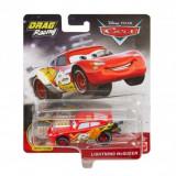 Disney Cars XRS - masinuta metalica de curse personajul Fulger McQueen, Mattel
