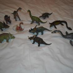 Dinozauri - 11 figurine cauciuc dens