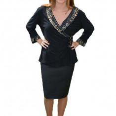 Bluza de ocazie, de culoare neagra, cu model fronsat la abdomen