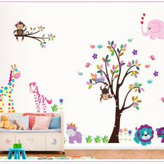 Sticker decorativ, copacel cu animalute 180 cm, 57STK