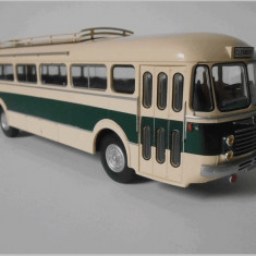 Macheta autobuz RENAULT R 4192 - 1956 scara 1:43