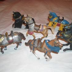 Schleich - 6 figurine cai inseuati cavaleri