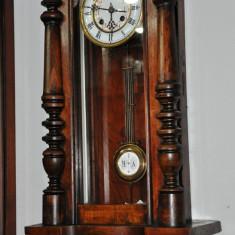 Ceas de perete cu pendula Kienzle