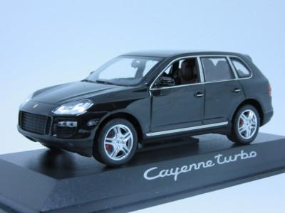 Macheta Porsche  Cayenne Turbo Minichamps 1:43 foto