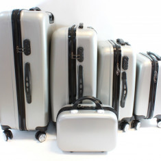Set 5 Valize tip Troler pentru Voiaj cu Roti, Fermoar cu Blocare prin Cifru, Carcasa Rezistenta, Culoare Argintiu
