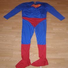 Costum carnaval serbare superman pentru adulti marime L, Din imagine