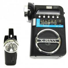 Cumpara ieftin LICHIDARE STOC! MP3 PLAYER CU STICK USB/CARD,RADIO FM,LANTERNA PUTERNICA.NOU!