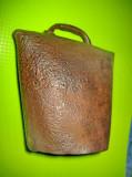 8419-Clopot vechi metal inainte de razboi. Stare buna, curatat si uns.